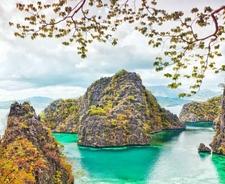 Tropical Lagoon On The Way To Kayangan Lake
