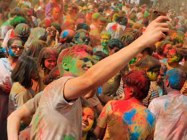 Holi Special Kerala Tour Photos