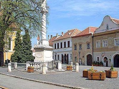Blessed Virgin Mary Statue, Kőszeg