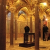 Skip the Line: Crypts & Roman Catacombs Small Group Walking Tour