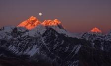 Everest & Makalu Peaks - Nepal Himalayas