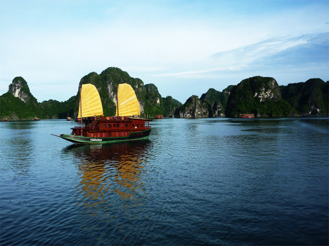 Hanoi - Sapa - Halong Bay Package Photos