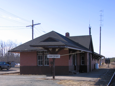Hantsport Train Station