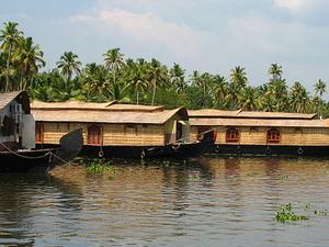 Seasonal Discount - Houseboat Cruise Alappuzha Photos