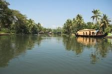 Kumarakom House Boat