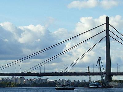 Moskovskyi Bridge