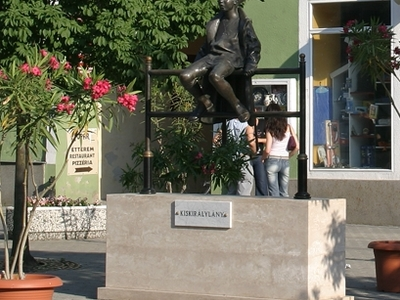 Statue Of The Litle Queen, Tapolca