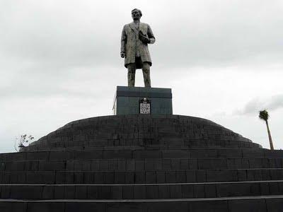 Tallest  Rizal  Monument