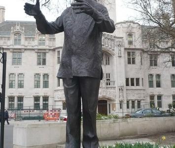 Statue Of Nelson Mandela