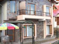 comfortble home in uttarakhand hill