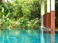 Gecko Villa: Pool & Thai Food