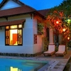 nice bungalow with swimming pool