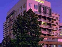 Waldorf Apartment Hotel Canbe