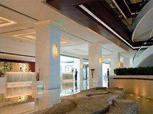 Grand Mercure Baolong Hotel