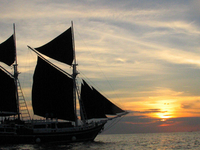 Phi Phi Highlights and Sunset Cruise