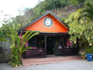Bob Marley Mausoleum Tour, Nine Miles Jamaica from Ocho Rios Fotos