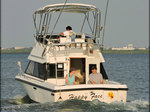 Deap Sea Fishing 31'ft Charter 8 hrs. Photos