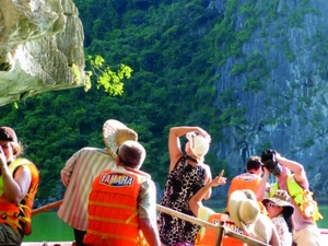 Halong Bay Day Cruise from Hanoi including Lunch, Kayaking & Cave