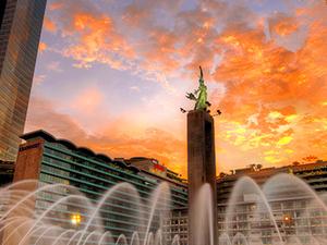 Enjoy Jakarta Fotos