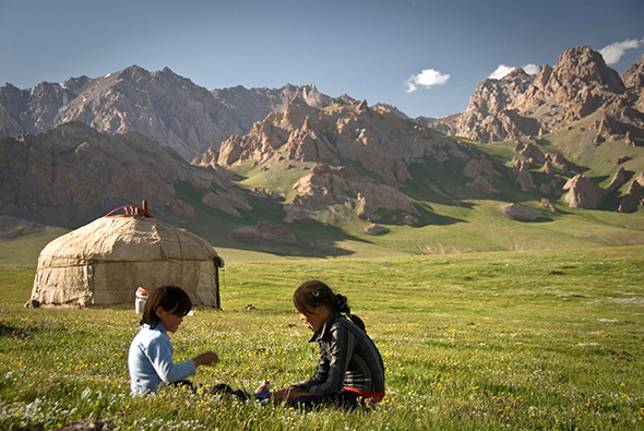 Family Tour in Kyrgyzstan Photos