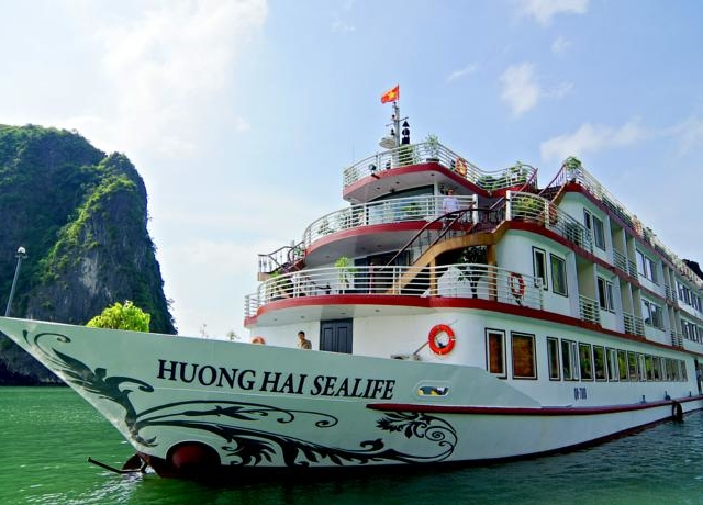 Huong Hai Sealife Cruise - Halong Cruise Photos