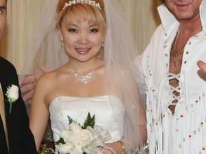 Elvis Wedding at Graceland Wedding Chapel Photos