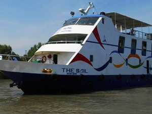 Luxurious Cruise Ship For Sundarban (Bangladesh) Tour Photos