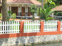 1 Night Kumarakom Homestay and 1 Night Houseboat