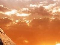 Day Tour to Pyramids of Giza & Egyptian Museum