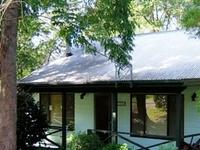 Jenoma Cottage1 House