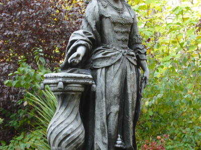 Statue Of Queen Charlotte