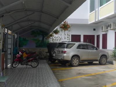 Au Lac Hotel - Parking