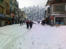 Mall Road Manali 1