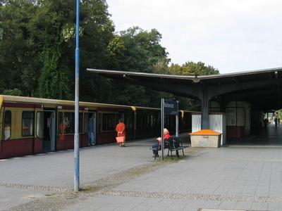 Berlin-Waidmannslust Station