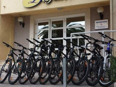 Venturo Travel Rent A Bike Split