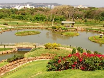 Pu  La  Deshpande Garden  5