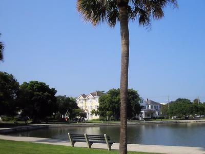 Park At Colonial Lake
