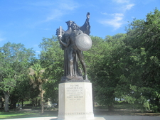 Daughters Of The Confederacy Monument