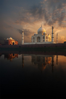 Sightseeing Taj Mahal