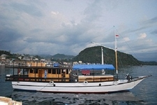 Kapal Wisata Komodo Ber Ac