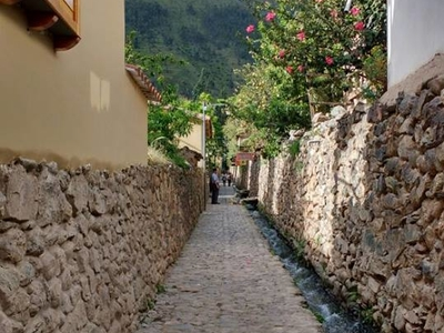 Picturesque Narrow Street In Ollantaytambo.