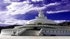 Shanti Stupa08