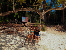 Similan Diving Safaris Guests On The Swing