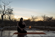 Deck Eva Yoga Safari Namibia