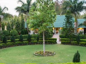 Garden Hotel In Pench