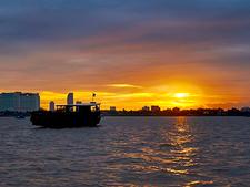 Phnom Penh Sunset Boat Cruise 01 800x600
