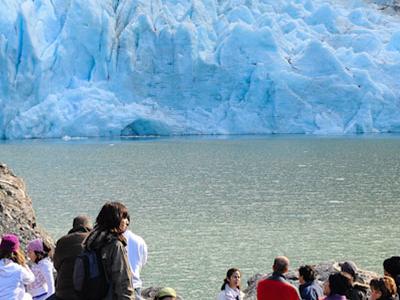 Glaciar Balmaceda Y Serrano