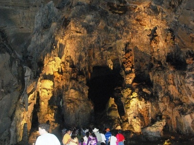 Salons Of The Caverns