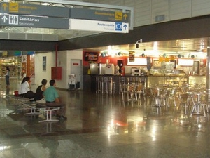 El gobernador Jorge Teixeira de Oliveira Aeropuerto Internacional