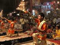 An Evening With Magnificent Ganga Aarti With Dinner And Private Transfer.